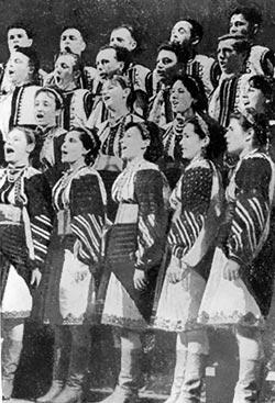 Самодіяльний народний хор, с. Добрівляни Заліщицького району. 1969 р.